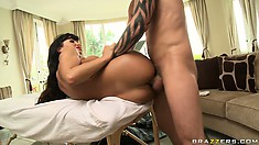 Bootylicious cougar Lisa Ann plans to be shot by the thick stream of sperm