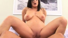 Beautiful experienced busty ho Stephanie Wylde gets her cunt hit