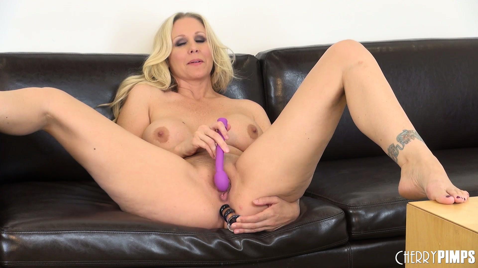Julia ann pussy masturbating, amanda white pornpictures