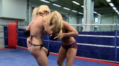 Stunning Lee Lexxus goes against Nikky Thorne in a naked fight