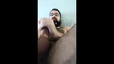 bearded guy cums in his beard