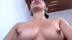 This large amateur cam girl has some very big boobs